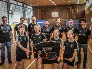 """Badminton I """"Holzsplitter"""" haben jetzt ihre eigenen Trikots"""