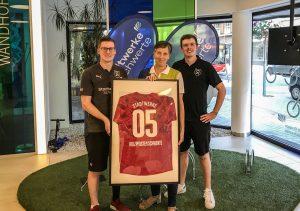 Futsal I 05 Jahre Trikotsponsor: Holzpfosten profitieren von den Stadtwerken Schwerte